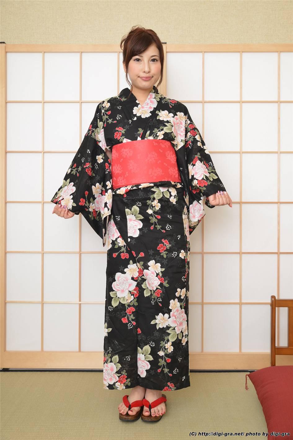 日本女优早川瑞希和服写真(44张)
