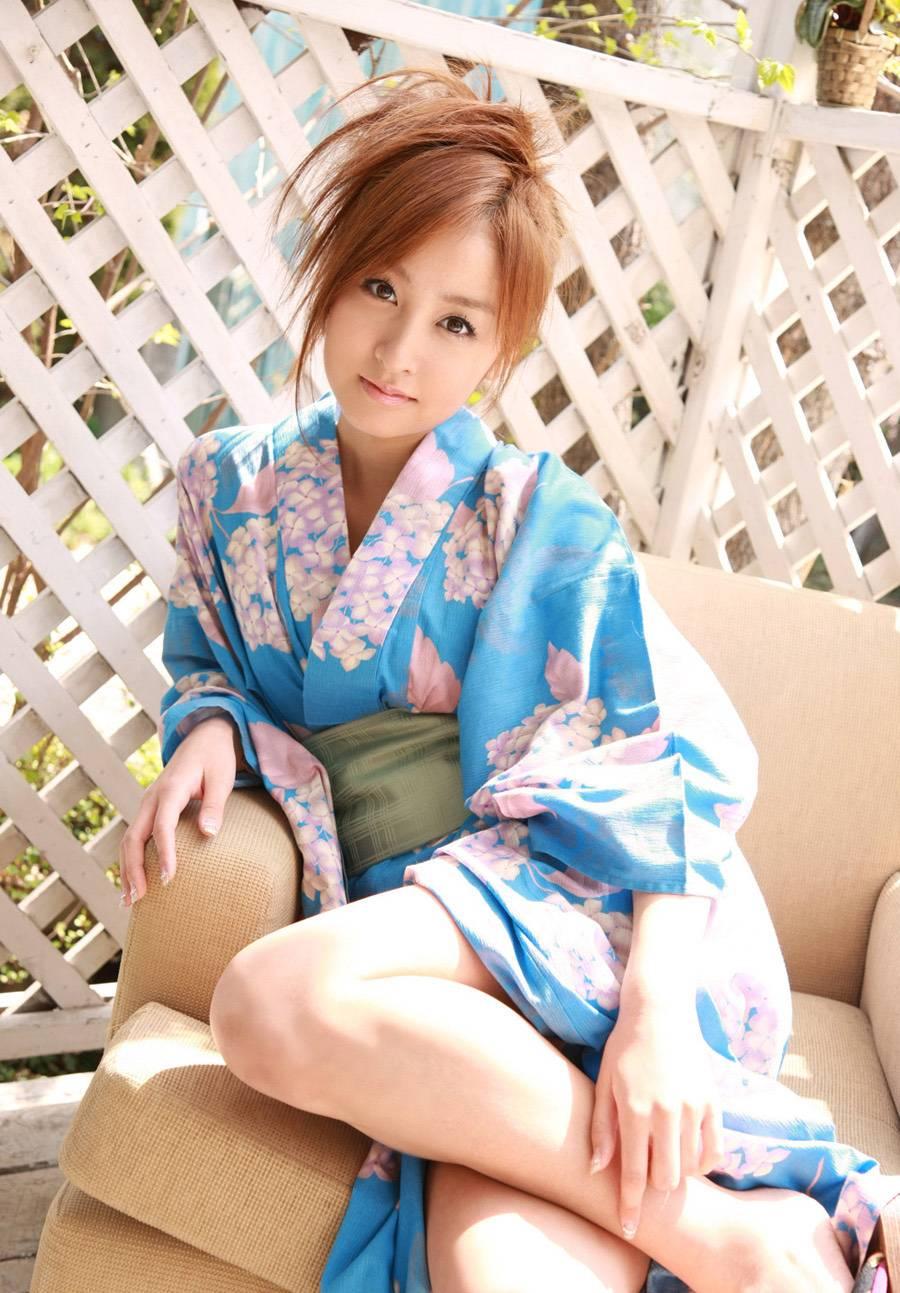 性感和服装美女木口亚矢(13张)